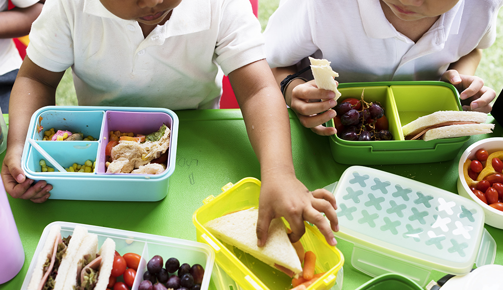 Kids eating lunch at a Preschool & Daycare Serving El Cajon, Lakeside and Santee CA